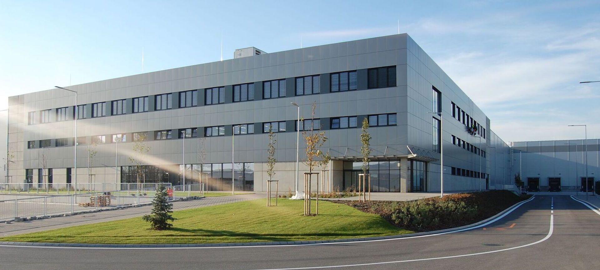 Administratívna budova LOZ III